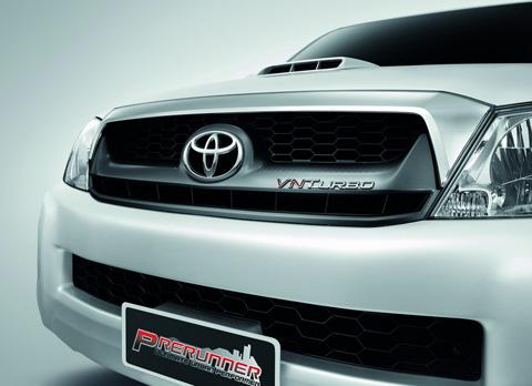 ไฮลักซ์ วีโก้ VN Turbo ในรุ่นพรีรันเนอร์ และ รุ่นขับเคลื่อน 4 ล้อ